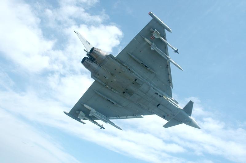 http://aviationweek.typepad.com/photos/uncategorized/2007/05/23/ares_eurofighter_meteor_flight_test.jpg